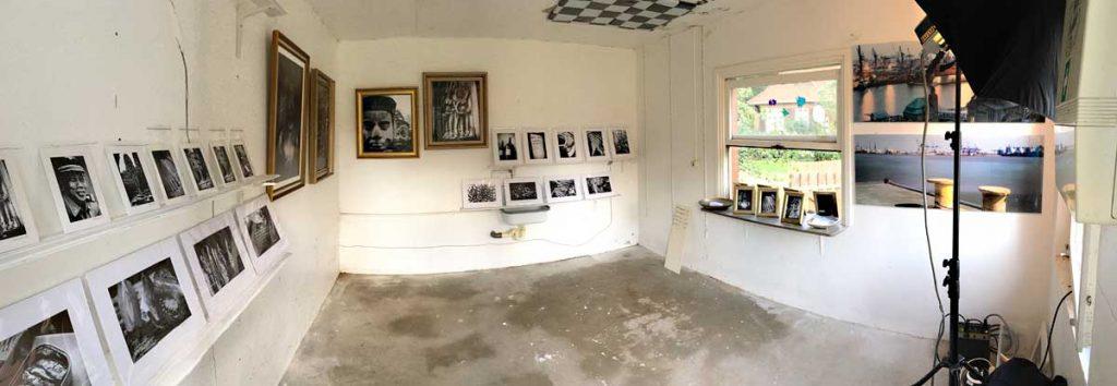 """Ausstellungsraum """"Bilder von unterwegs"""" - Frank Siemers, 2017"""